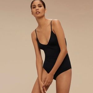 Aritzia Talula Kinver Ribbed Bodysuit